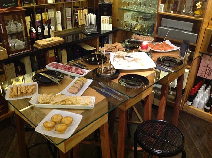 Degustacions al petit paradis botiga gourmet amb encant, personalitat i solera ubicada a girona